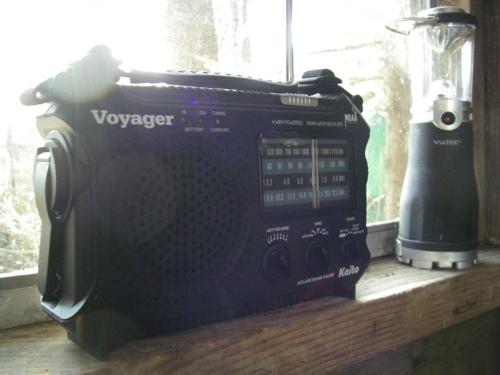 Kaito Voyager solar/crank radio