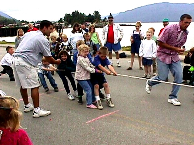 Aly tails on in a tug-of-war, 1999 (Photo: John Emde, Sr.)