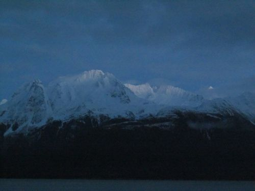 Alpen glow on the mountains across the fjord (Photo: Mark A. Zeiger).
